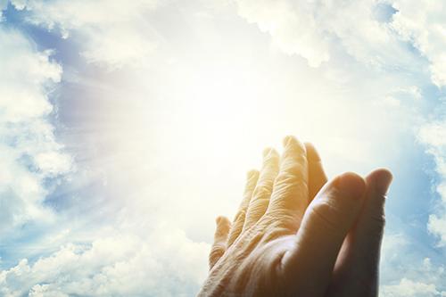 Robí náboženstvo z veriacich lepších ľudí?