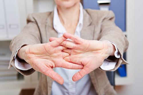 Mýtus pukania prstov a kĺbov