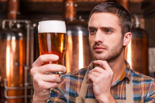Zmierňuje korekčné pivo opicu?