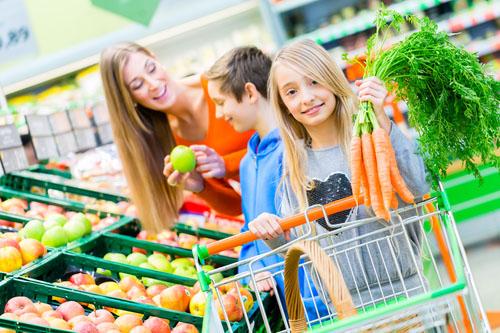 Ako jesť zdravo, keď sa rodina stravuje inak?