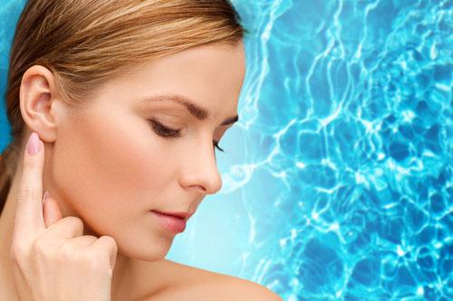 Voda v uchu