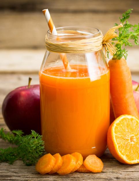 Jablková, pomarančová amrkvová šťava