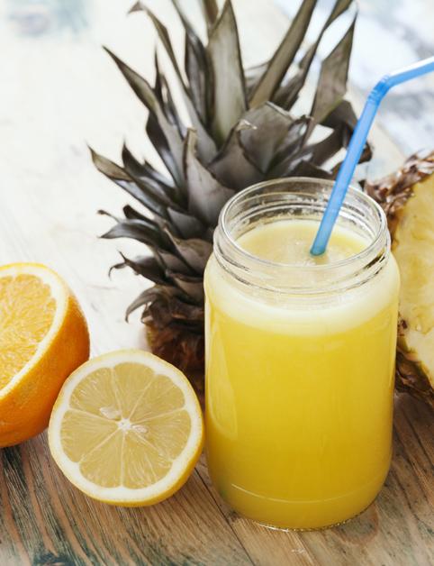 Pomaranč, ananás a hrozno